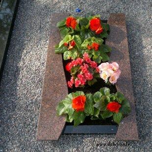 7. Granīta kapu apmalīte ar dobi