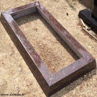 12. Sarkanā granīta kapu apmalīte